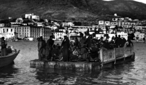 Samsun (Samsoun) Greeks  exchanged to Greece 1923. Picture showing a raft full of Greeks towed to the ships that will take them to Greece