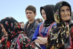 Kadırga yaylasında Karadenizli kadınlar, Trabzon Gümüşhane sınırında Zigana geçidi